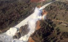 California: pericolo di cedimento di una diga, evacuate 200.000 persone
