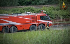 Campi Bisenzio: motociclista finisce in un fossato. Salvato dai vigili del fuoco