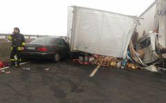 Fi.Pi.Li: scontro auto-camion. Strada chiusa fra Vicarello e Lavoria verso Livorno (Foto)