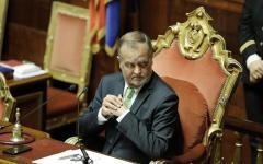 Firenze: critiche alle sentenze di tribunali e corti d'Appello in materia di affidamenti e adozioni