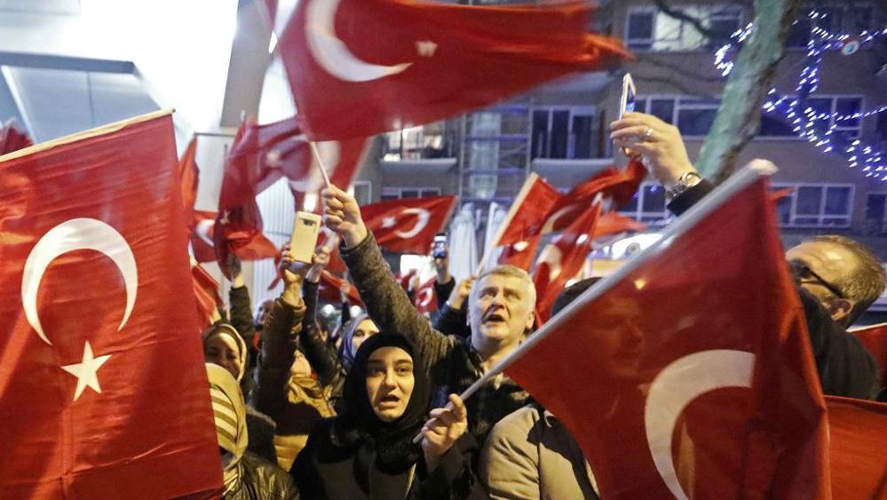 Turchia: ambasciatore Olanda non torni ad Ankara per adesso
