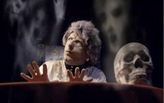 Firenze:  «Sotto spirito» al Teatro di Rifredi. Le sedute medianiche che ottennero onori e soldi