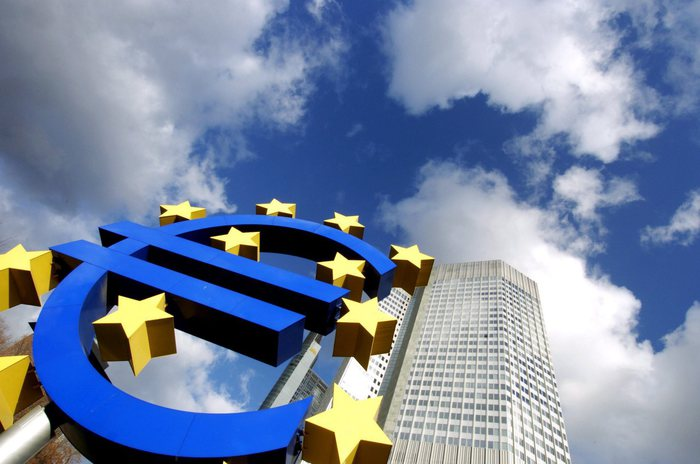 Eurostat, deficit Italia 2016 a 2,4%, debito a 132,6%