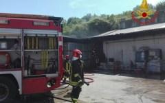 Tavarnelle Val di pesa (Fi): a fuoco un magazzino di una ditta, nessun pericolo per le persone