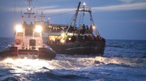 Frontex: contatti tra scafisti e Ong
