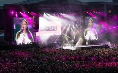 Manchester: in 50.000 al concerto di Ariana Grande, in una città blindata