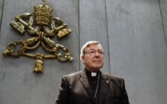 Australia: la polizia di Victoria accusa il cardinale George Pell di gravi reati sessuali. Problema per il Vaticano