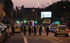 Londra: un morto e 8 feriti, van investe la folla fuori dalla moschea