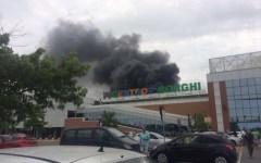Pisa: incendio a Navacchio sul tetto di un centro commerciale. Che è stato evacuato