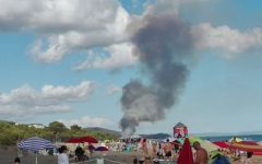 Castiglione della Pescaia (Grosseto): incendio in pineta a Roccamare. Evacuate 800 persone da un campeggio