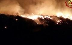 Incendi: ancora fiamme in mezza Toscana, vigili del fuoco impegnati ovunque
