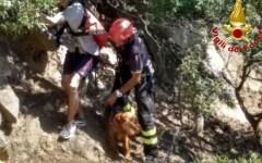 Marciana marina (Li): due persone e un cane recuperate dai vigili del fuoco in zona impervia