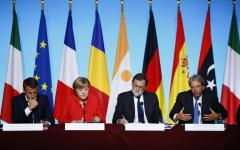 Parigi: il vertice sui migranti approva il lavoro d'Italia e Libia. Rivedere i trattati di Dublino