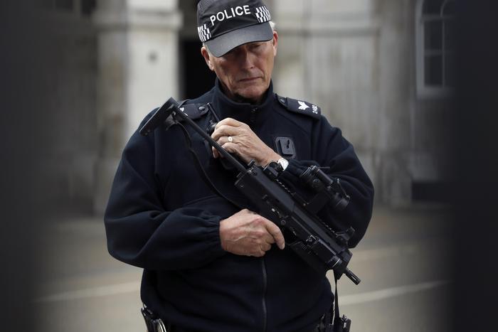 Esplosione nella metro di Londra. Ventidue feriti.