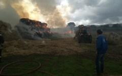 Grosseto: nubifragio e temporale, rotoballe incendiate e sottopassi allagati