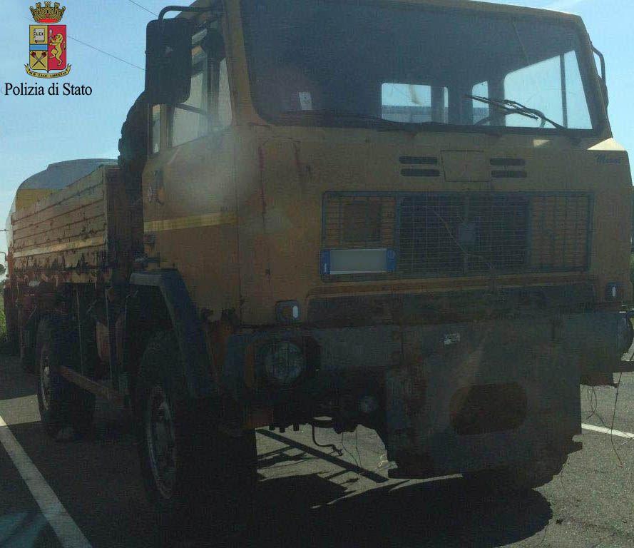 Stroncato traffico mezzi militari verso Somalia. Arrestato a Firenze il quarto somalo