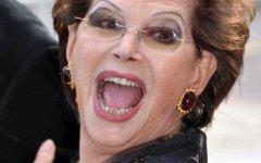 Claudia Cardinale in teatro, anche a Firenze. Per celebrare i suoi 80 anni