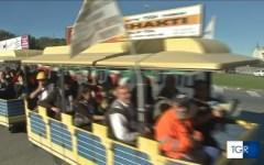 Piombino: Aferpi, gli operai protestano sul trenino (video). Quello dell'acciaio è fermo