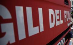 Lucca: 44enne muore sul colpo nello schianto della sua vettura contro un albero