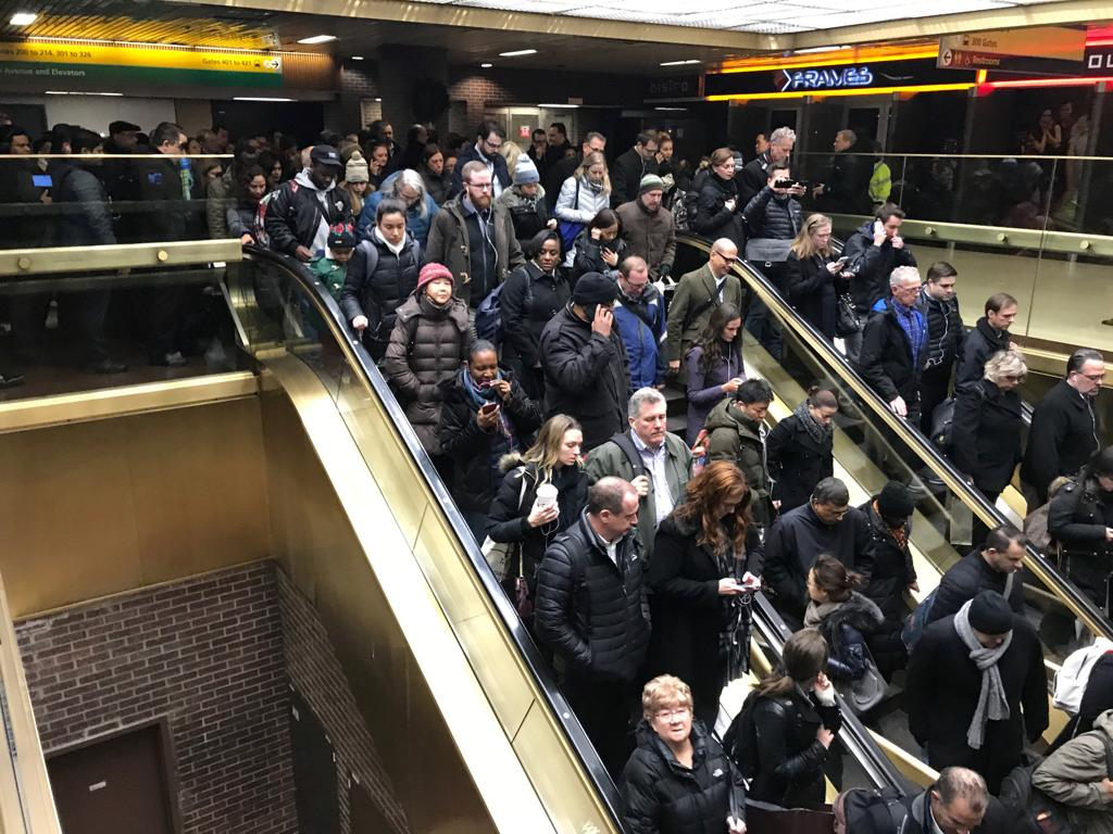 Manhattan, esplosione al terminal dei bus: