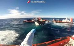 Migranti: diminuiscono (75%) gli sbarchi a inizio 2018, ma le navi Onlus restano freneticamente in azione