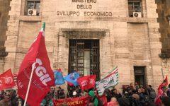 Aferpi: stipendi salvi per i prossimi tre mesi, Rossi incontra gli operai