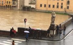 Maltempo: Arno a Pisa supera livello di guardia. A Firenze notte di paura alla Canottieri