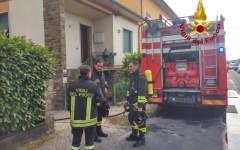 Empoli: incendio in un grande garage. Quattro intossicati dal fumo