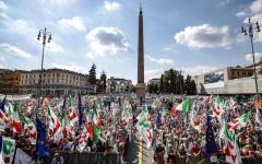 Pd: manifesta a Piazza del popolo, oltre 50.000 presenti, Treni e pullman dalla Toscana