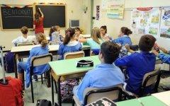 Scuola: si studia il blocco dei trasferimenti dei professori per 5 anni