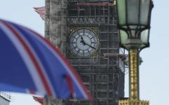 Brexit: Governo May, si dimettono 4 ministri, la sterlina in caduta libera