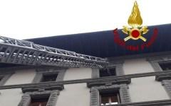 Firenze: uomo morto da giorni, intervengono i vigili del fuoco