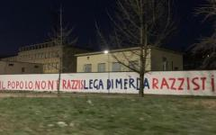 Milano: scritte offensive sui muri della sede della Lega Nord