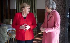 Brexit: May a colloquio con Merkel e Macron, ignorato Conte