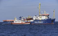 Sea Watch: salvini accusa, viene in Italia per cercare scontro politico