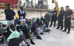 Migranti SeaWatch: non c'è accordo fra i paesi ue per accogliere i 42 sbarcati, conferma dell'inutitlità dell'unione europea