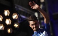 Tour de France: Alaphilippe vittoria di tappa e maglia gialla. Nibali in ritardo di oltre un minuto