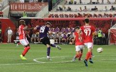Fiorentina battuta (2-1) dal Benfica al 93'. Chiesa gioca, ma non basta. Benassi sbaglia a porta vuota