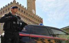 Firenze: arrestato peruviano, teneva dosi di cocaina nel berretto e negli slip