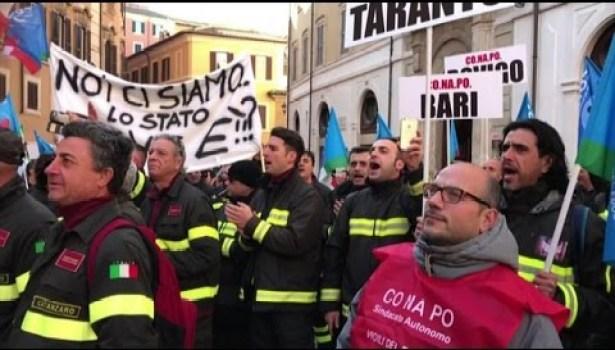 Vigili del fuoco: sciopero generale, manifestazione a Montecitorio e presidio nelle prefetture