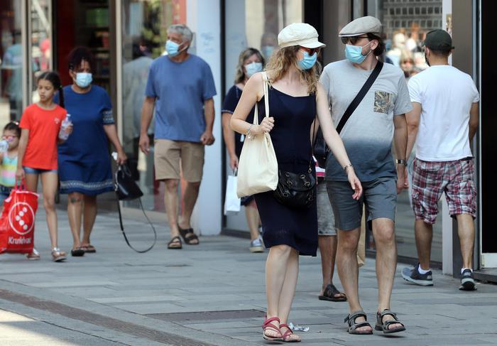 In Francia nuovo picco Covid: 18.746 nuovi contagi e 80 morti