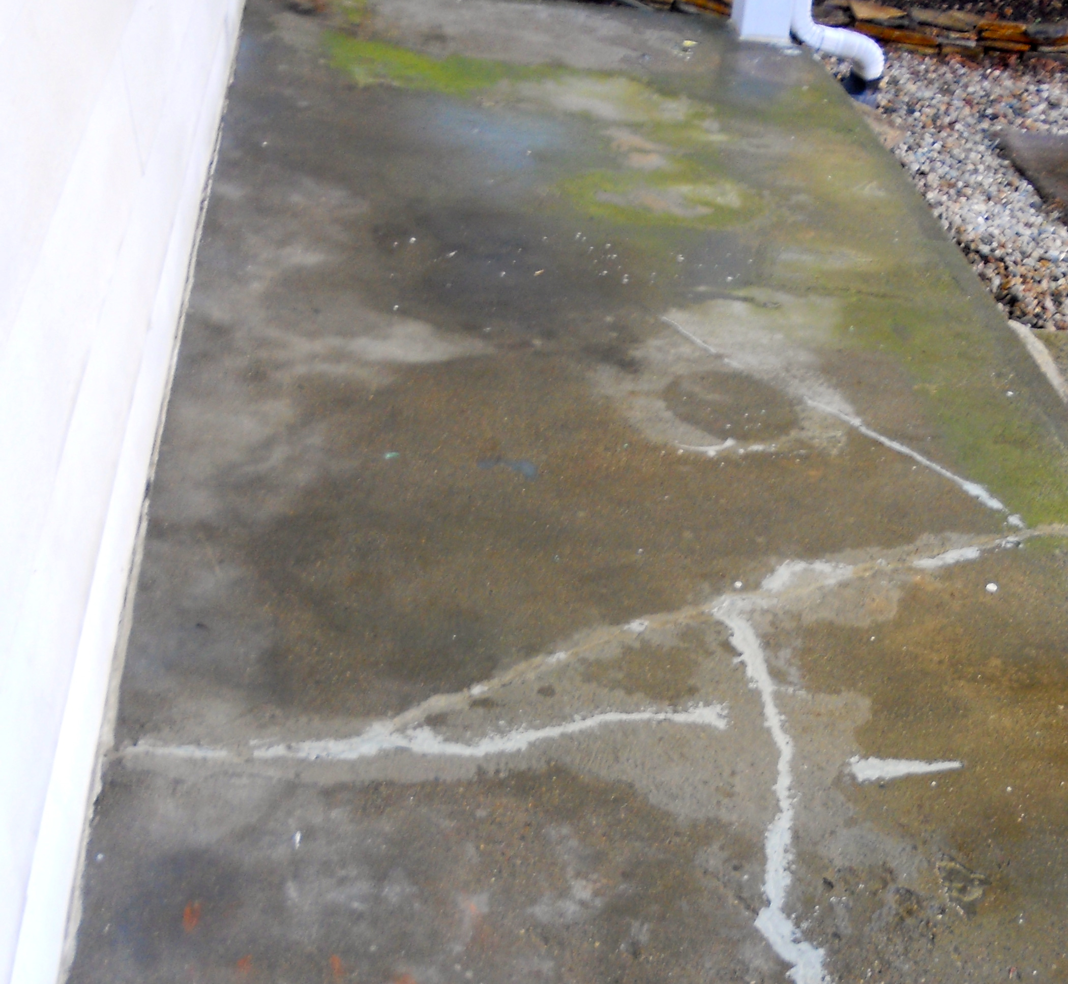 Revive A Concrete Patio With Stain. The Old Concrete Patio
