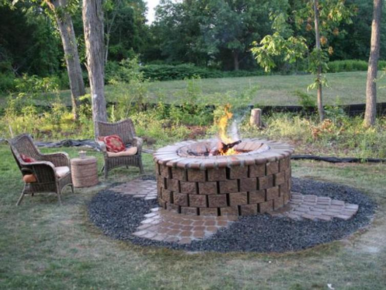 Outdoor fire pits: main rules and tips