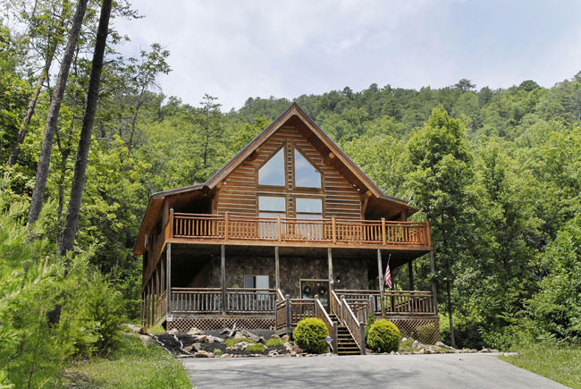 Pigeon Forge Two Bedroom Plus A Loft Cabin Nestled In The Great Smoky Mountains