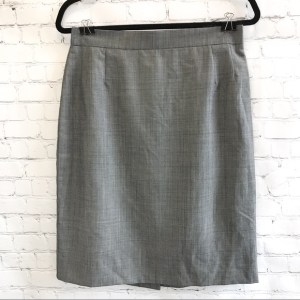 Escada gray checked pencil skirt size 40 (medium 8/10)