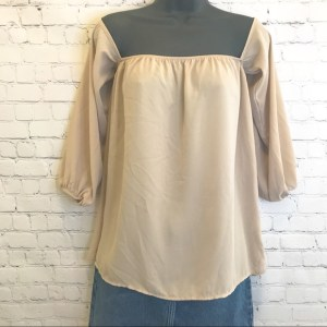 Modern Vintage Boutique beige 3/4 sleeve off the shoulder blouse size small