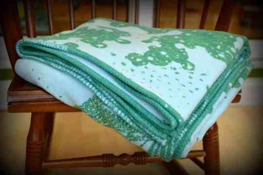 celestial-cyano-seafoam-blanket