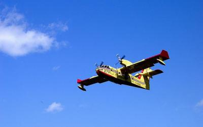 Manitoba signs deal with private company to operate its water bomber fleet