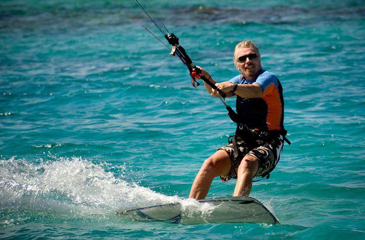 Richard Branson kiteboarding