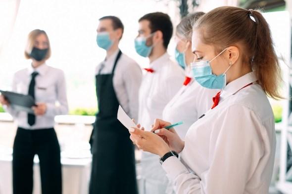 restauracja w trakcie pandemii